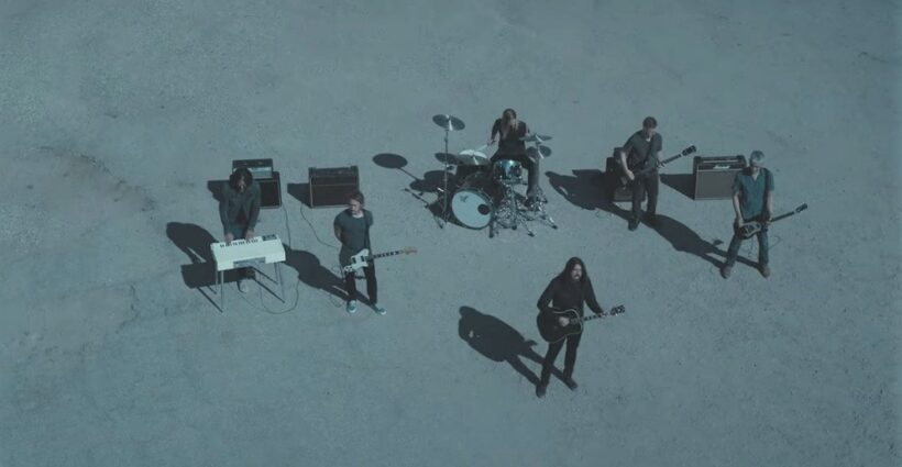 foo-fighters-waiting-on-a-war-video-cap