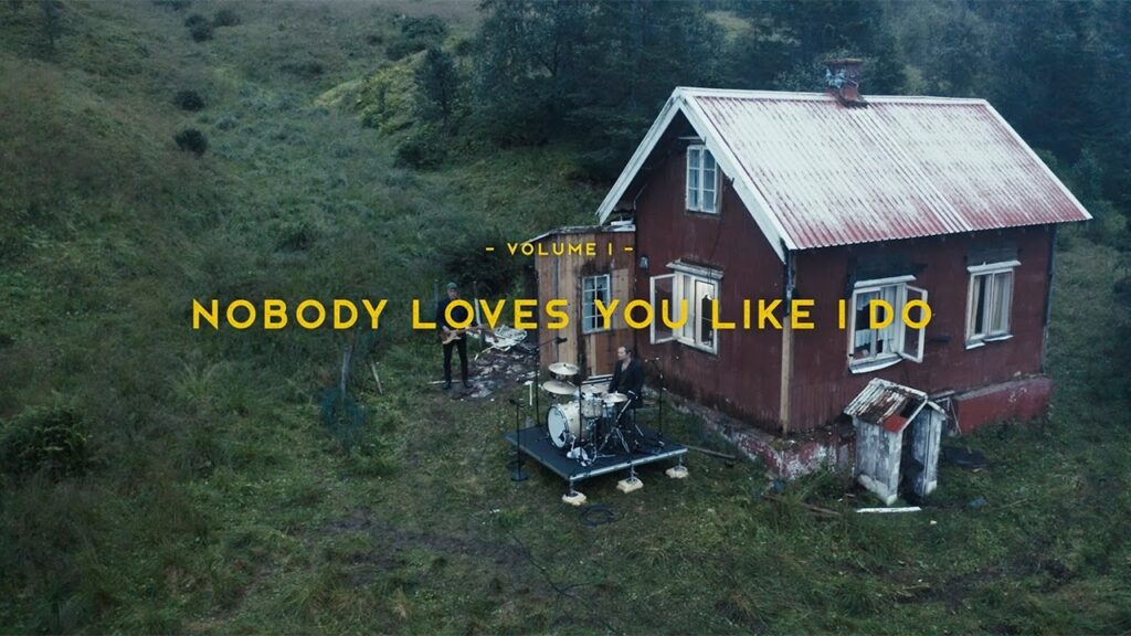 madrugada-nobody-loves-you-like-i-do